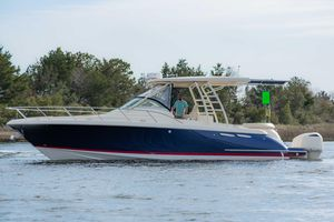 Used Chris-Craft Launch 36 Power Cruiser Boat For Sale