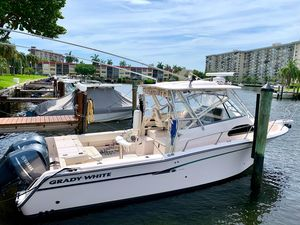 Used Grady-White 300 Marlin Saltwater Fishing Boat For Sale