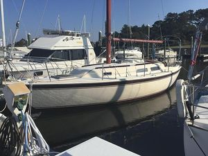Used Cal 31 Racer and Cruiser Sailboat For Sale