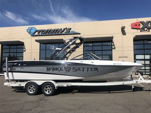 Used Malibu Wakesetter Lsv 247 Ski and Wakeboard Boat For Sale