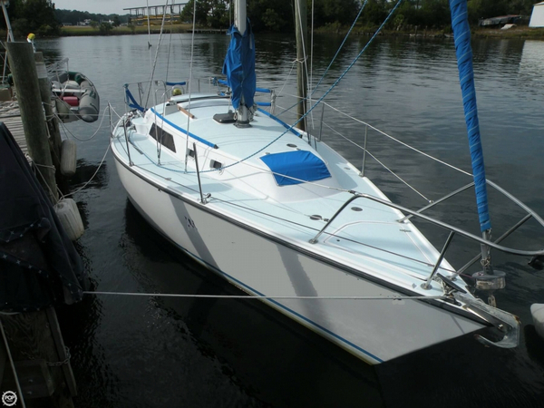 Used O'day 31 Racer and Cruiser Sailboat For Sale