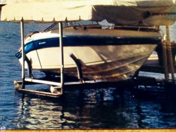 Used Celebrity 215 SE Bowrider Boat For Sale