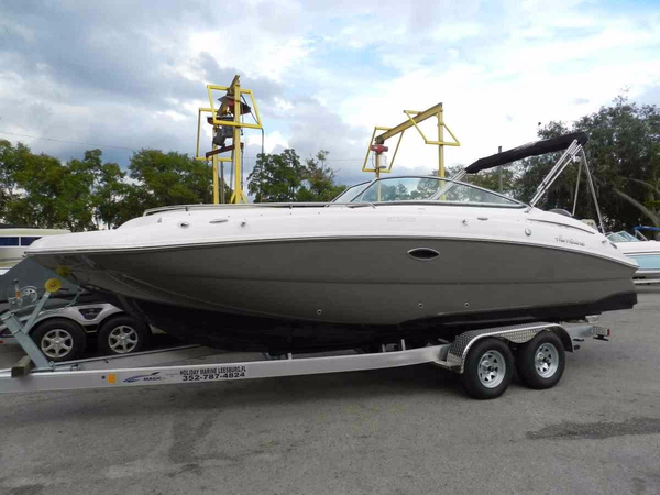 New Hurricane SunDeck 2400 OB Deck Boat For Sale