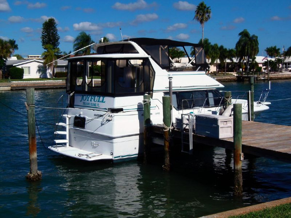 Used Carver Yachts 370 Aft Cabin Boat For Sale