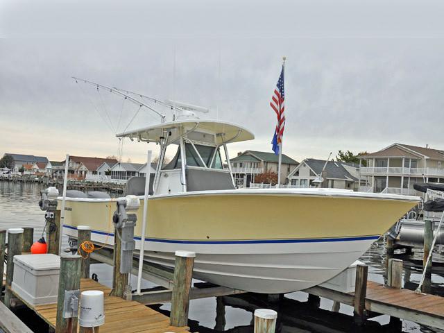 2004 used regulator 32fs center console fishing boat for for Ocean city fishing center