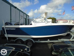 Used Clearwater 2200 DC Cruiser Boat For Sale
