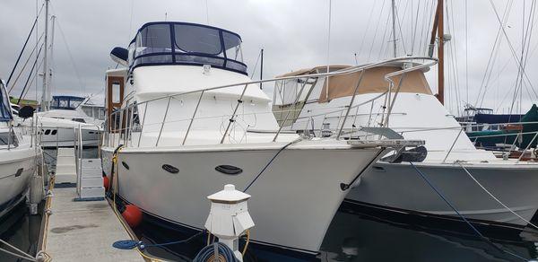Used Mckinna 47 Sun Deck Motor Yacht Aft Cabin Boat For Sale