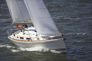 Used Hanse 342 Racer and Cruiser Sailboat For Sale
