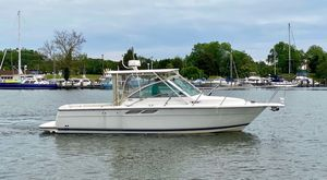 Used Tiara 2900 Coronet Express Cruiser Boat For Sale