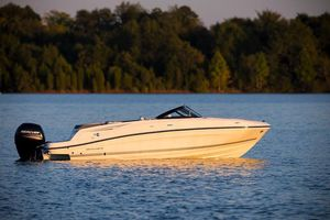 New Bayliner VR5 OB Bowrider Boat For Sale