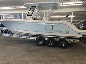 New Robalo R272 CC Center Console Fishing Boat For Sale
