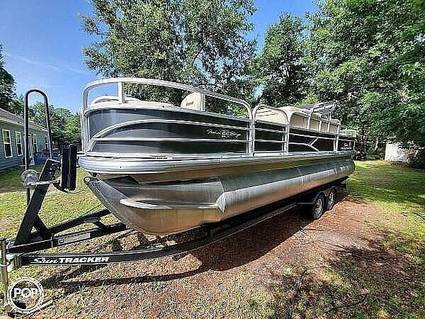 Used Sun Tracker 22 DLX Pontoon Boat For Sale