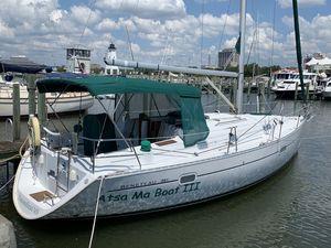 Used Beneteau 361 w/Generator Cruiser Sailboat For Sale