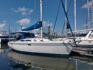 Used Catalina 320 Sloop Sailboat For Sale