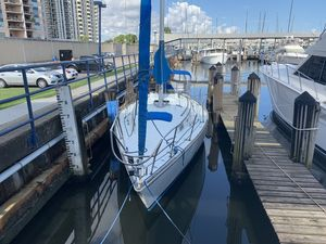 Used Sabre 30 Cruiser Sailboat For Sale