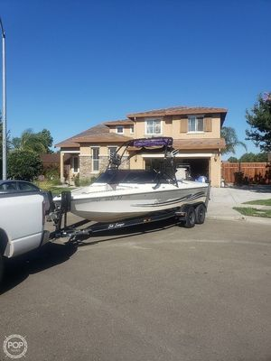 Used Sanger 210 Ski and Wakeboard Boat For Sale