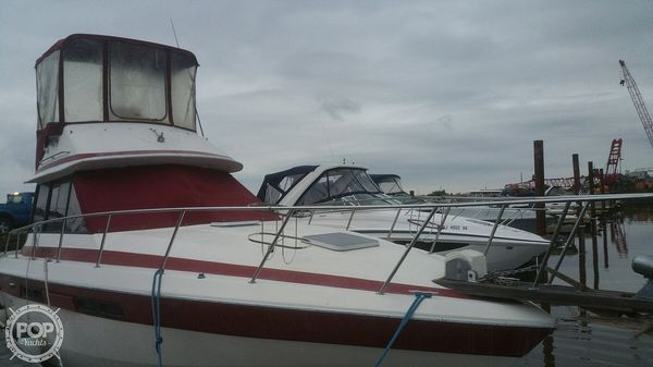 Used Chris-Craft 333 Commander Sports Fishing Boat For Sale