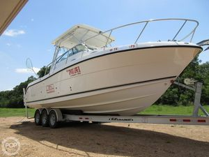 Used Robalo R305 Walkaround Fishing Boat For Sale