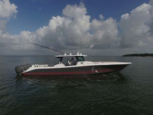Used Hcb Suenos Center Console Fishing Boat For Sale
