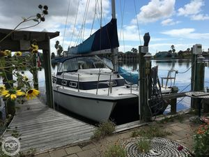 Used Endeavour Cat 30 Catamaran Sailboat For Sale