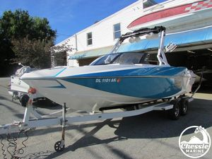 Used Axis Core Series T23 Ski and Wakeboard Boat For Sale