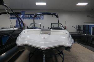 New Rinker 22MTX Bowrider Boat For Sale