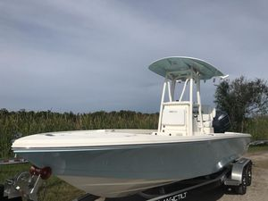 New Pathfinder 2500 Hybrid Bay Boat For Sale