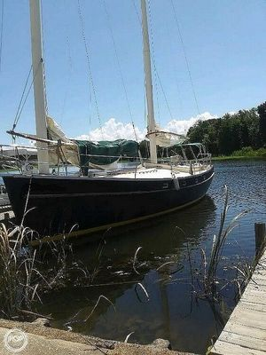 Used Freedom Yachts 40 Ketch Sailboat For Sale