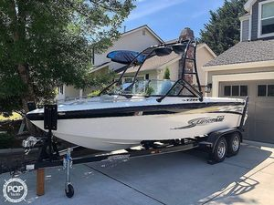 Used Supreme V208 Sky Ski and Wakeboard Boat For Sale
