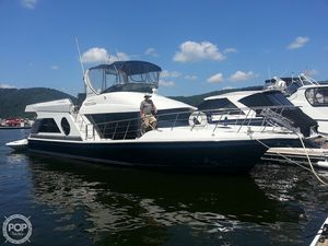 Used Bluewater Yachts 5200 Aft Cabin Boat For Sale