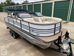 Used Coach 230DCRF Pontoon Boat For Sale