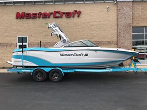 New Mastercraft XT23 Ski and Wakeboard Boat For Sale