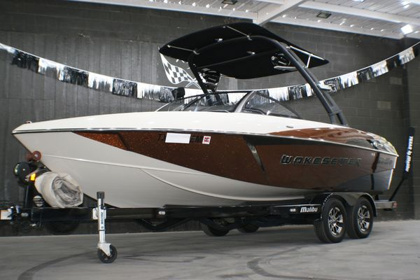 Used Malibu Wakesetter 22VLX Ski and Wakeboard Boat For Sale