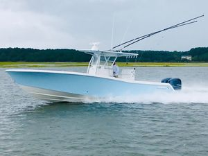 Used Invincible 33' Open Fisherman Center Console Fishing Boat For Sale