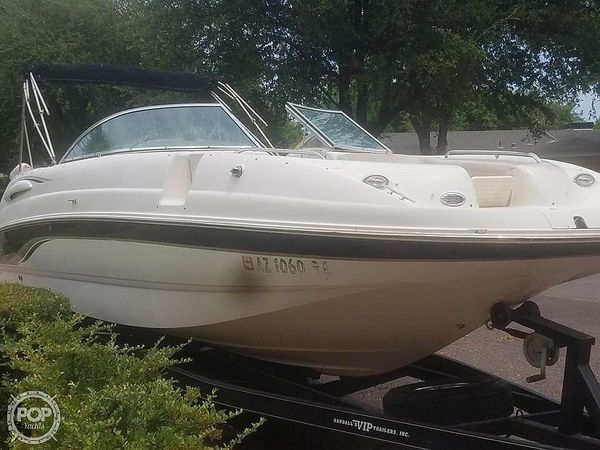 Used Chaparral SUNESTA 263 Deck Boat For Sale