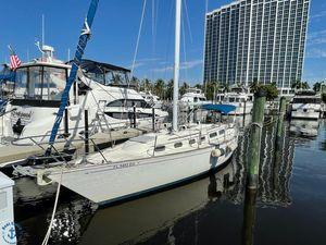 Used Sabre 38 MK 1 Sloop Sailboat For Sale