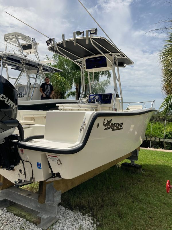 Used Mako 212 CC Center Console Fishing Boat For Sale