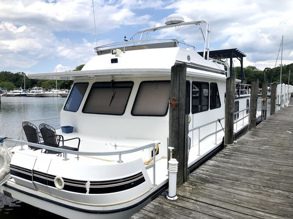 Used Gibson 5900 Series House Boat For Sale