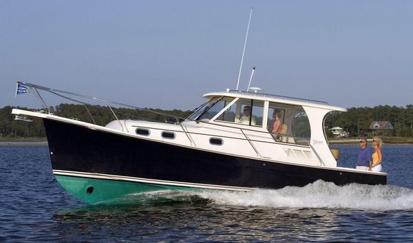 Used Mainship Pilot 31 Cruiser Boat For Sale