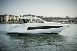 Used Cruisers Yachts 390 Express Coupe Express Cruiser Boat For Sale
