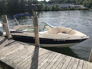 Used Azure AZ238 Express Cruiser Boat For Sale