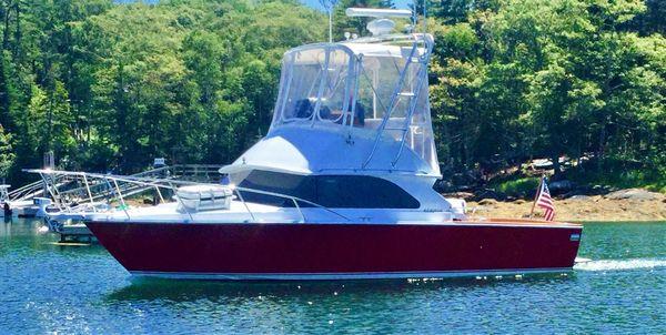 Used Bertram 28 Flybridge Sports Fishing Boat For Sale