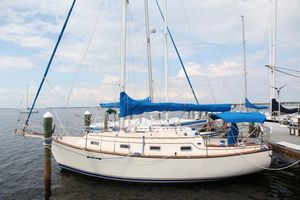 Used Island Packet 31IP Racer and Cruiser Sailboat For Sale