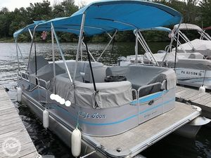 Used Qwest Apex 820 LS Pontoon Boat For Sale