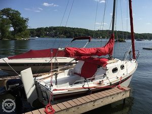 Used International Voyager 20 Sloop Sailboat For Sale