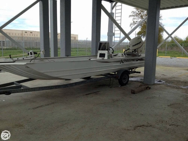 Used Xpress X21B Aluminum Fishing Boat For Sale