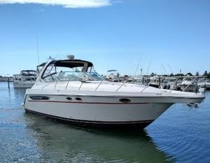 Used Maxum 3700SCR Express Cruiser Boat For Sale