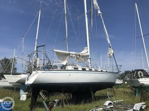 Used Endeavour 35 Racer and Cruiser Sailboat For Sale