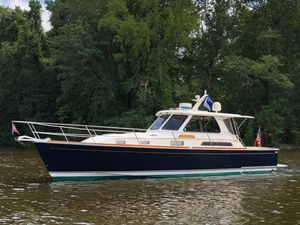 Used Sabre 38 Salon Express w/ Freedom Lift Downeast Fishing Boat For Sale