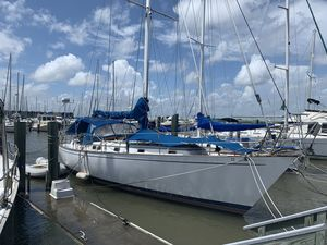 Used Kelly Peterson 44 Cruiser Sailboat For Sale